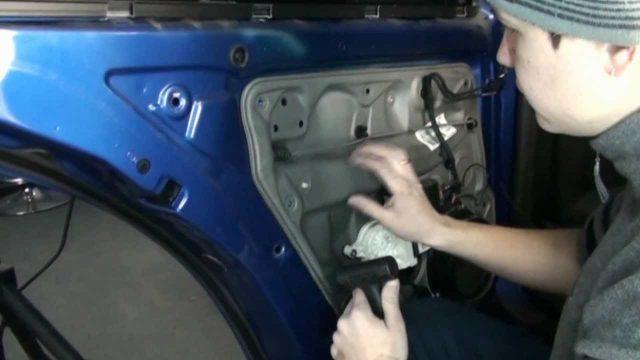 Разборка двери Volkswagen Bora