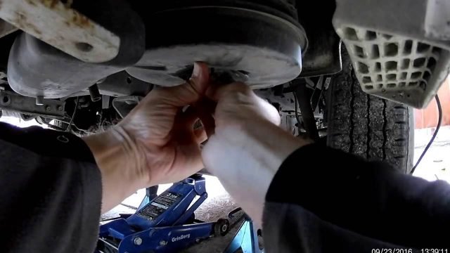 Замена масла и фильтров Toyota Dyna