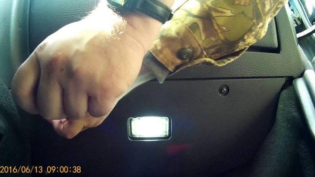 Замена салонного фильтра Volvo XC90