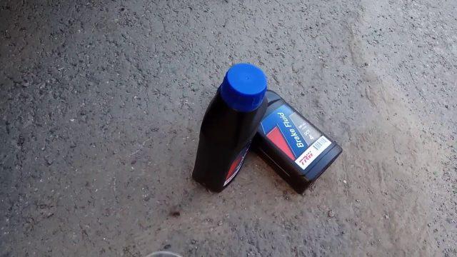 Замена тормозной жидкости Kia Optima