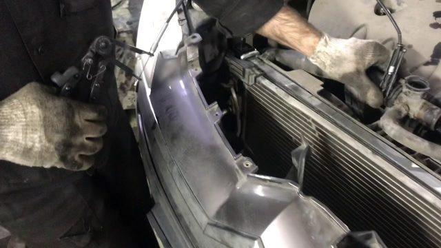 Замена радиатора Citroen C-Crosser