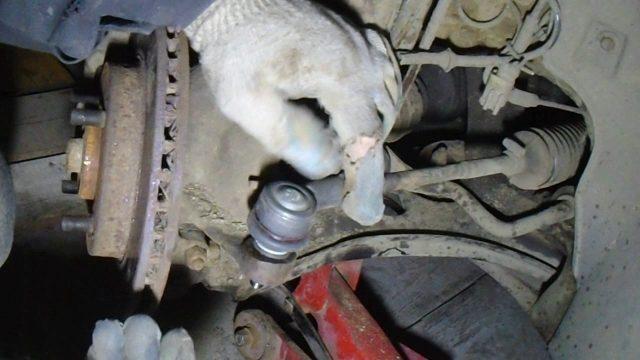 Снятие генератора Ford Escort