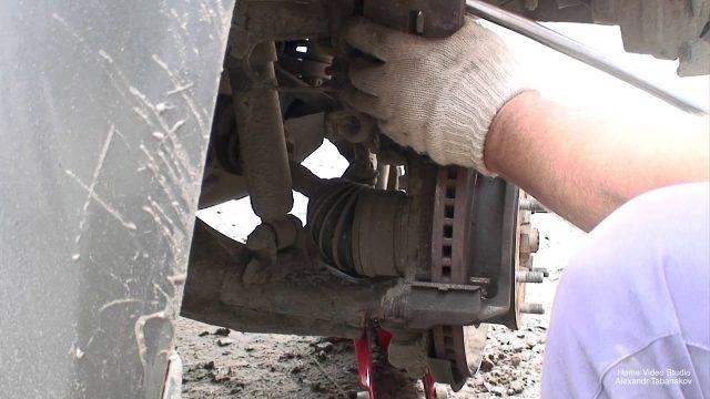 Замена тормозных колодок Ford Ranger