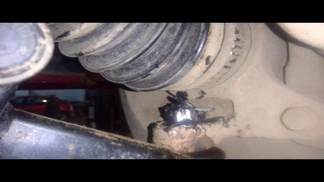 Замена шаровой опоры Honda HR-V