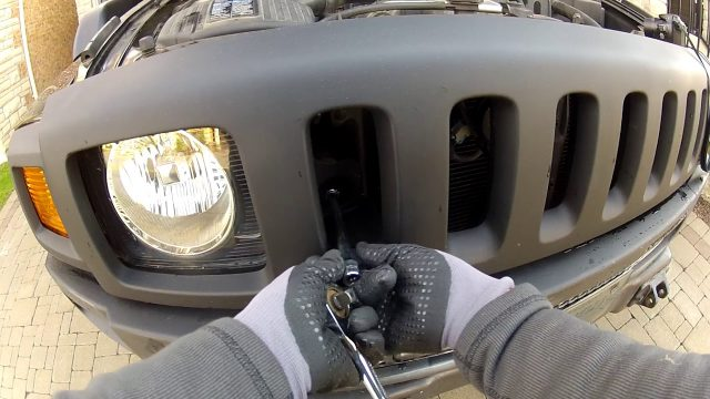 Снятие решетки радиатора Hummer H3