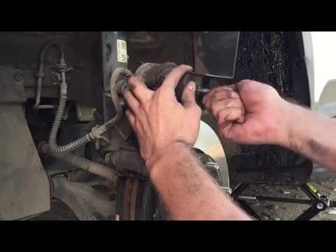 Замена передних тормозных колодок Hyundai Creta