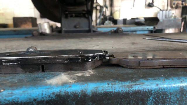 Замена передних тормозных колодок Hyundai Terracan