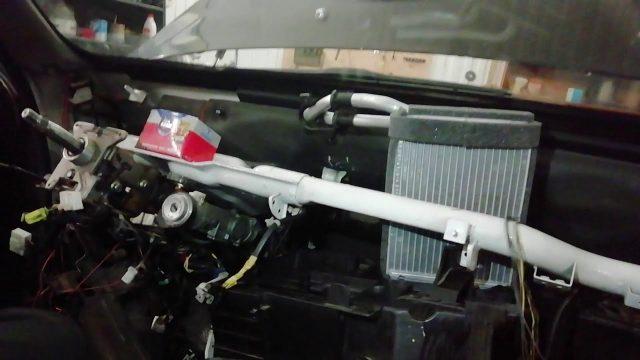 Замена радиатора печки Hyundai Terracan