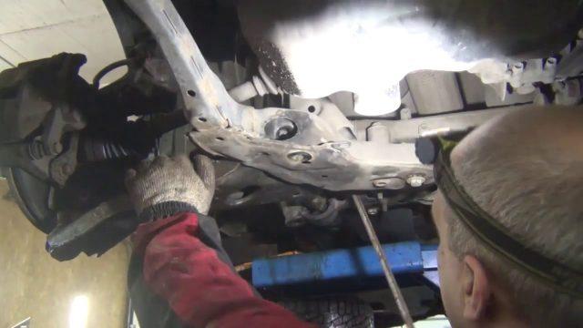 Замена сайлентблоков Mazda CX-5