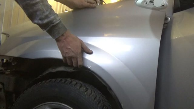 Как снять переднее крыло Mazda MPV