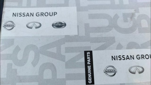Замена салонного фильтра Nissan Navara