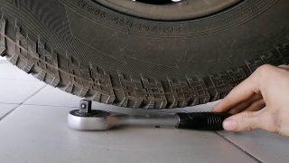 Замена задних тормозных колодок Nissan Pathfinder