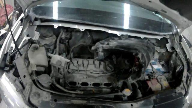 Замена свечей зажигания Nissan Serena