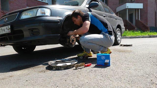 Замена тормозных колодок Nissan Sunny